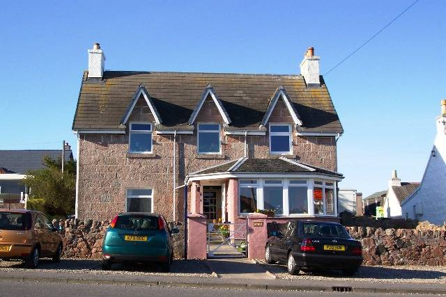 Seaview Bed and Breakfast close to the isles of Staffa and Iona
